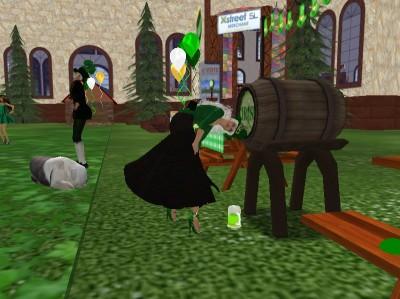05-blu_Heron-drinking_green-beer